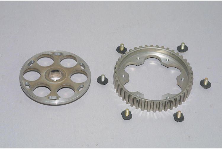 4 – задняя крышка привода ГРМ;